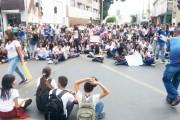Juazeiro: População e estudantes solidários à luta dos terceirizados