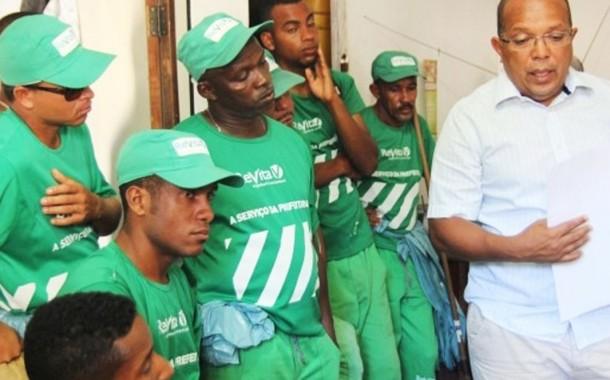 Patronato não negocia e trabalhadores de limpeza urbana decretam estado de greve