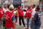 Manifestação de terceirizadas no Colégio Central nesta quarta-feira, 5, mostra que categoria exige cumprimento de acordo