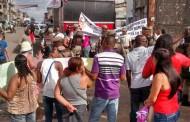 Manifestação nesta segunda-feira (3) mostra que terceirizados exigem direitos