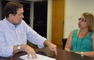 Coordenadora do Sindilimp-BA busca solução para terceirizados com secretário da Educação